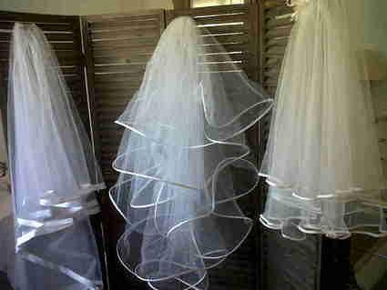 Robe de Mariée pas cher Emy Lee 2012- Occasion du mariage