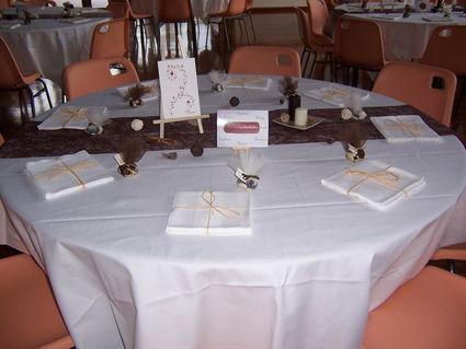 Décoration de salle mariage et table chocolat ivoire pas