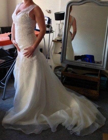Robe de mariée neuve taille 38 coloris ivoire