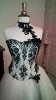 Loue Robe de mariée noire et blanche - Occasion du Mariage