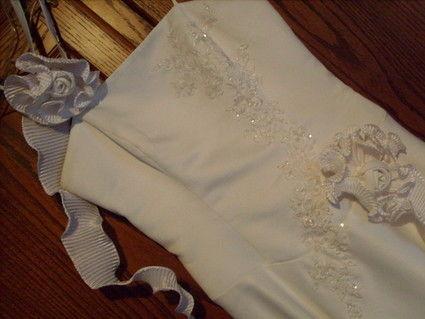 Robe de mariée en satin blanc et pas cher 2012 - Occasion du Mariage