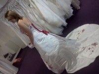 Magnifique Robe de mariée neuve avec guêpière, jupon, collier et gants