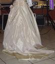 Robe de Mariée couleur champagne + jupon princesse de chez Point Mariage