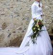 Robe de mariée composée d'une jupe, d'un bustier et d'un boléro pas cher