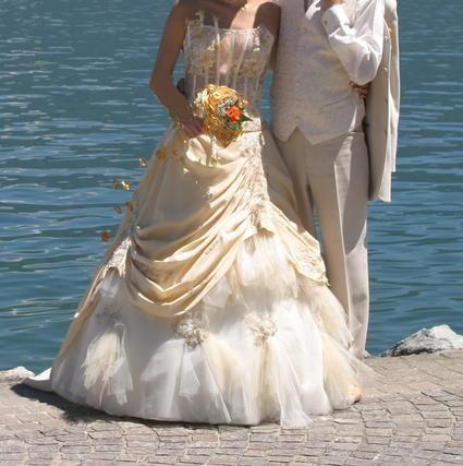 Robe de mariée d'occasion avec bustier pas cher - Occasion du Mariage
