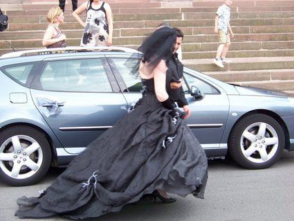 Robe de mariée création unique noir d'occasion