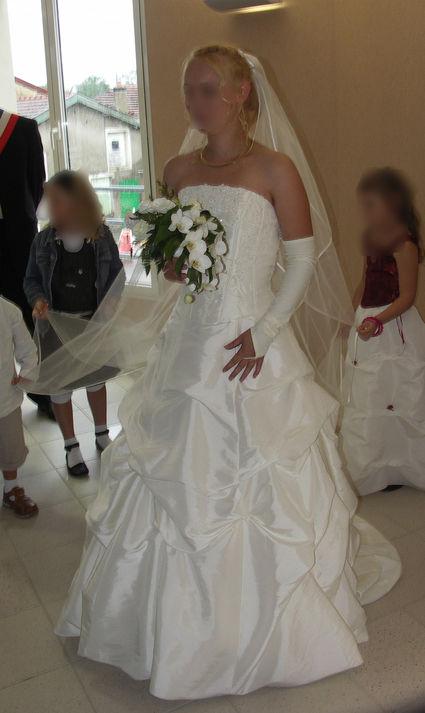 Robe de mariée bustier + accessoires d'occasion