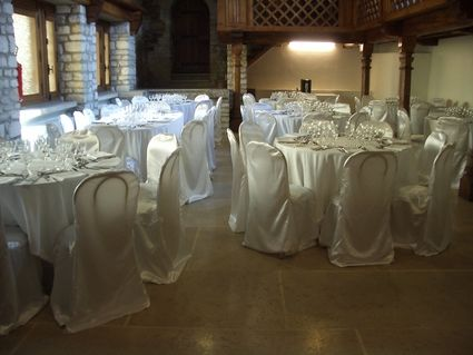 Location housses de chaises en d co de salle de mariage rh ne - Housse chaise mariage occasion ...