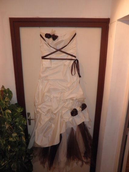 Robe mariée ivoire et chocolat pas cher d'occasion 2012 - Rhône Alpes - Rhône - Occasion du Mariage