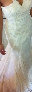 Robe de Mariée La Sposa neuve en dentelle de Calais et soie sauvage à Paris