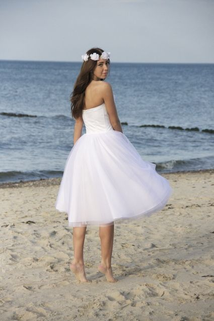 Robe de mariée courte en tulle Maria création Alisa - Alpes ...