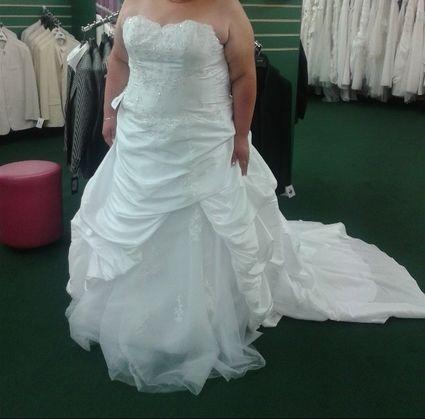 Robe de mariée grande taille  - Var