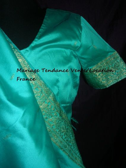 Très beau Saari Neuf Turquoise vert et bordures dorées