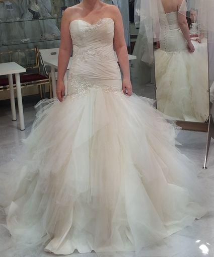 Robe de mariée neuve en taffetas T40 à 44 couleur ivoire