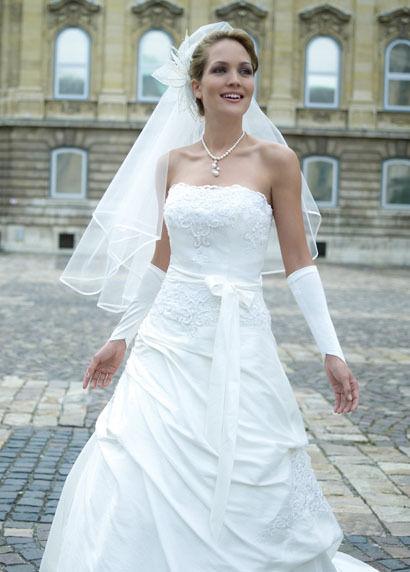 Robe de mariée pas cher ivoire neuve 2012 - Occasion du mariage
