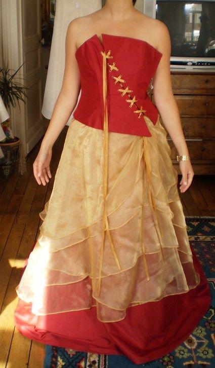 Robe de mariée d'occasion rouge et or fabrication française
