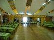 6 grandes tentures en satin gris pour la déco de salle - Occasion du Mariage