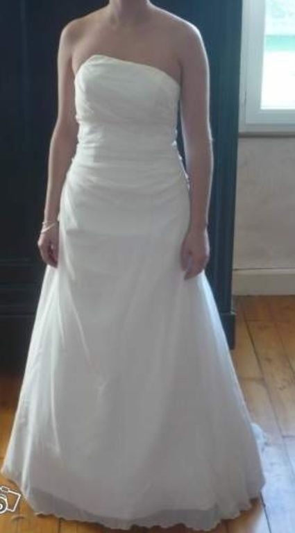 Robe de mariée neuve à vendre en soie et mousseline de soie
