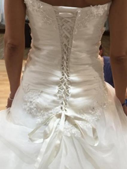 Trés belle robe de mariée doccasion à Lyon - Rhône