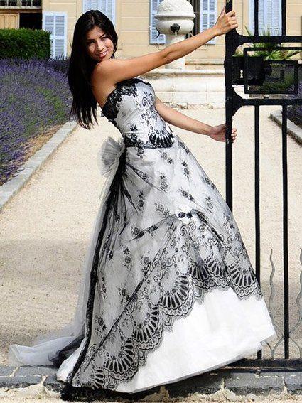 Robe de mariée pas cher Réglisse modèle des Mariés de Provence - Occasion du Mariage