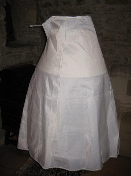Jupon ivoire pour robe de mariée pas cher 2012 - Occasion du Mariage