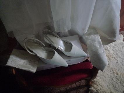 Robe de mariée Purga de Pronuptia avec étole et jupon