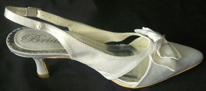 Chaussures de mariée pas cher satin blanc avec noeud 2012 - Occasion du mariage