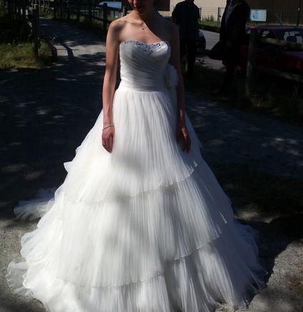 Belle robe de mariée blanche d'occasion T36