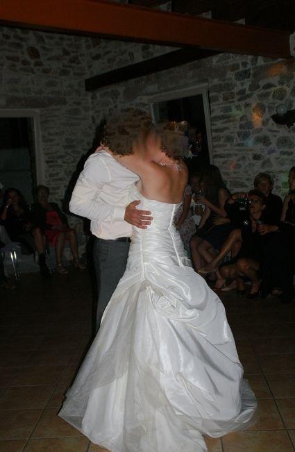 Robe de mariée d'occasion avec jupon, traîne et chaussures