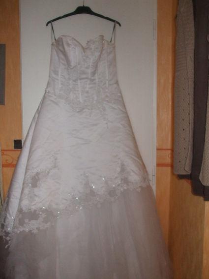 Robe de mariée pas cher Pronuptia à Lyon 2012 - Occasion du mariage