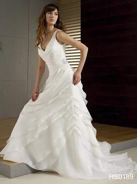 Splendide Robe de mariée d'occasion avec grosse fleur amovible