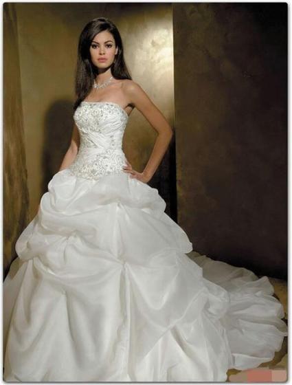 Magnifiques robes de mariées neuves pas cher doccasion 2012 ...