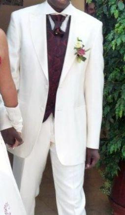 Costume de marié d'occasion avec pantalon, veste, chemise, gilet et lavallière