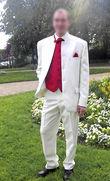 Costume complet blanc avec gilet et cravatte rouge - Occasion du Mariage
