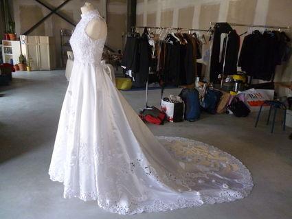 Robe de mariée avec traine, jupon, voile et gants longs - Occasion du Mariage