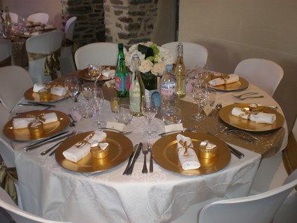 90 assiettes rondes de décoration Doré/or en décoration de table de mariage