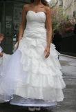Magnifique robe de mariée avec cerceau et voile T34/36 d'occasion
