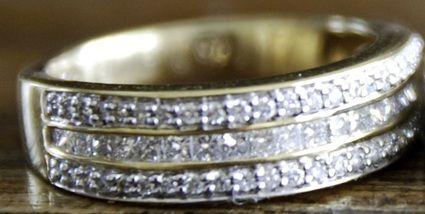 Alliance de mariage or et diamants taille 52 / bijoux de mariée