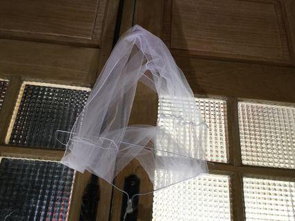 Robe de mariée  - Pyrénées (Hautes)