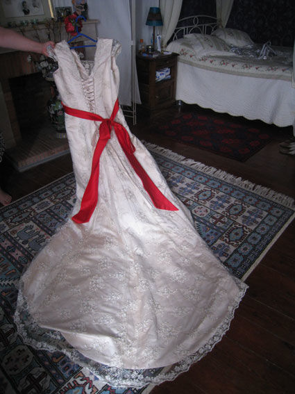 Magnifique robe de mariée grande taille pas cher 2012 - Occasion du Mariage
