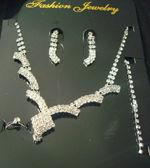 Parure de bijoux de mariée strass pas cher - Occasion du mariage