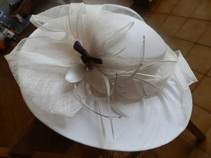 Chapeau de cérémonie à l'occasion d'un mariage