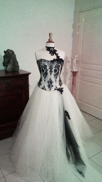 location  du modèle réglisse les mariées de provence - Bouches du Rhône