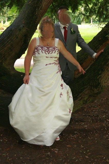 Robe de mariée grande taille + boléro ivoire et bordeaux - Occasion du Mariage