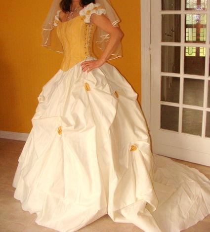 Magnifique robe de mariée T 38 Matrimonia à Saint-Étienne
