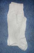 Chaussettes Blanches Mariage idéal pour un ensemble de costume blanc.