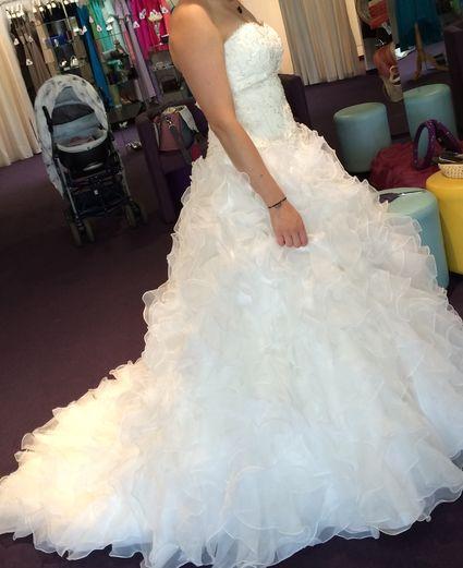 Robe de mariée princesse d'occasion taille 38/40  - Charente
