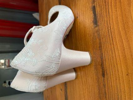 Chaussures mariage Marthe 38 Ivoire en satin et dentelle - Hérault
