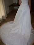 Robe de mariée ivoire et begie avec traîne en 2012 - Occasion du Mariage