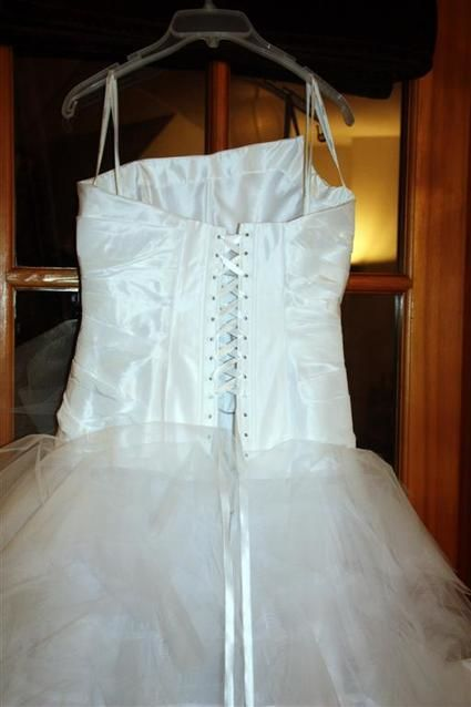 Robe de Mariée Cymbeline Espera 2011 avec bustier satin, traîne et jupon
